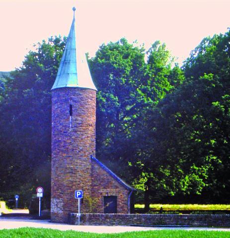 Vortrag zum Ehrenfriedhof @ Feuerwehrgerätehaus   Sinzig   Rheinland-Pfalz   Deutschland